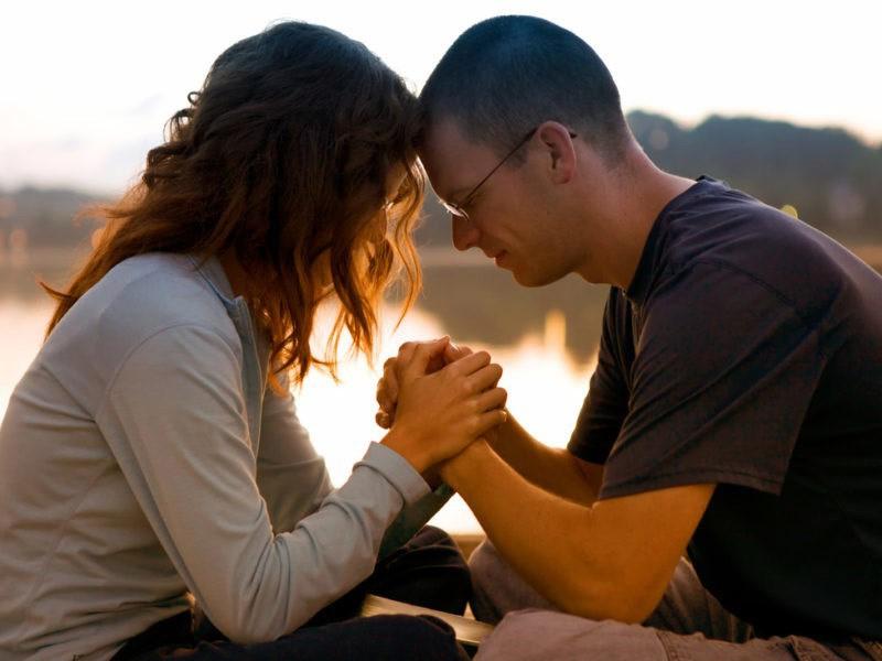 Супруги в молитве